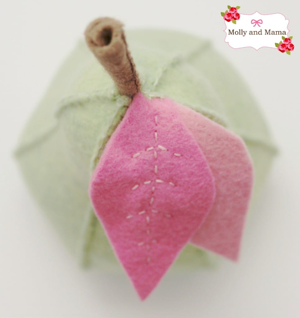 Cute little felt pear tutorial by Molly and Mama