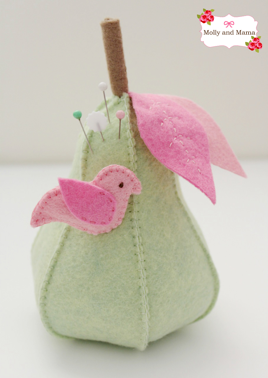 Make a felt pear by Molly and Mama