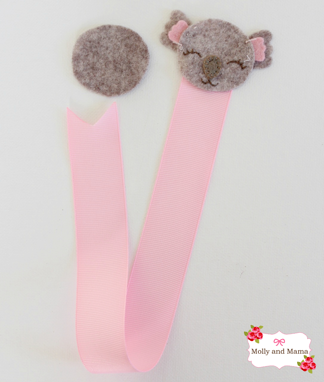 Add Ribbon to the Felt Koala2