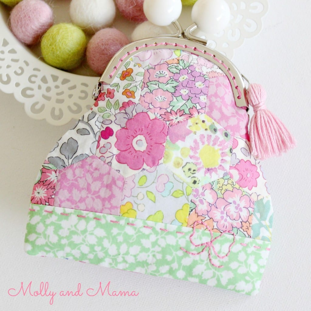 Hexie Kiss Lock Purse Free Pattern by Molly and Mama